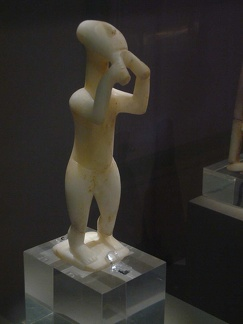 Cycladic figurine. National Archaeological Museum. Athens